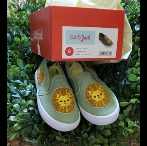 Cat and Jack Lion Shoes